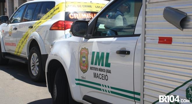Carro do IML e IC — © Gustavo Lopes/BR104