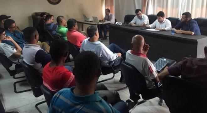 FAF se reúne com arbitragem para definir regras do Alagoano sub-17 (Créditos: Reprodução/Imagem-Allan Jonne/Ascom FAF)