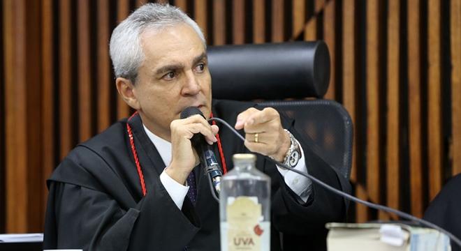 Promotor Antônio Vilas Boas conseguiu convencer o Conselho de Sentença (Crédito: Reprodução)