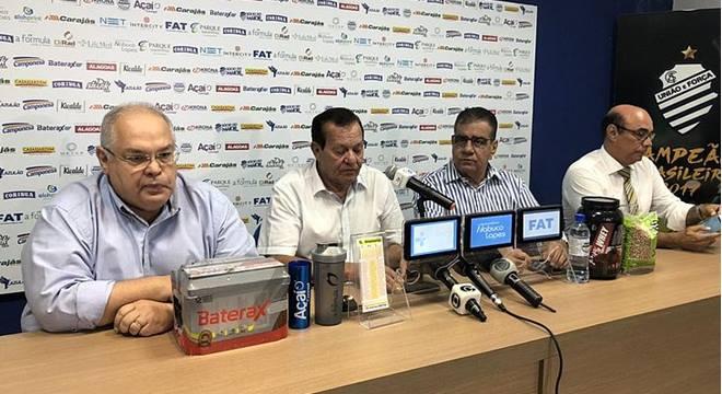 Diretoria do CSA confirma venda do mando de campo da partida contra o Flamengo - © Henrique Pereira/Imagem