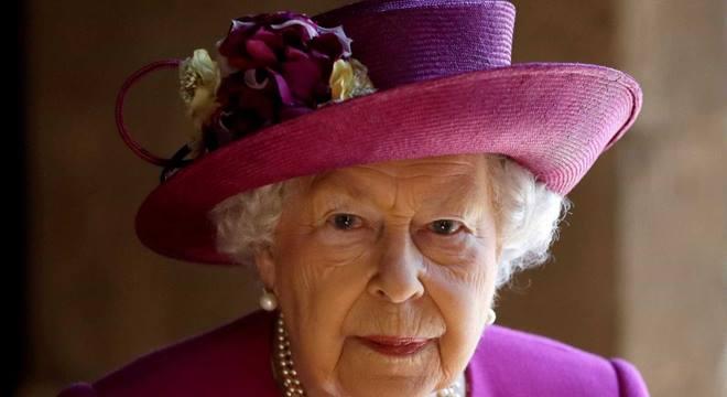 Rainha Elizabeth anuncia vaga de emprego - © Internet