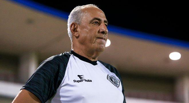 Técnico do ASA Nedo Xavier avalia comportamento da equipe contra o Campinense - © Ailton Cruz