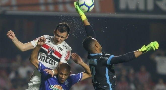 CSA briga para sair do Z4 no Campeonato Brasileiro — © Marcello Zambrana