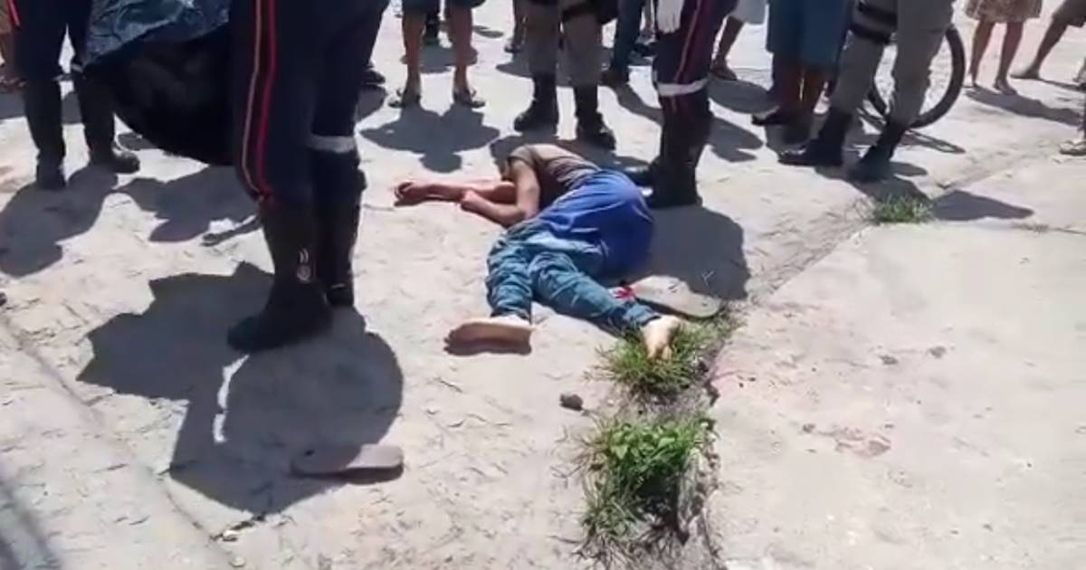 Alex Cabral de Brito morreu no local — © Reprodução