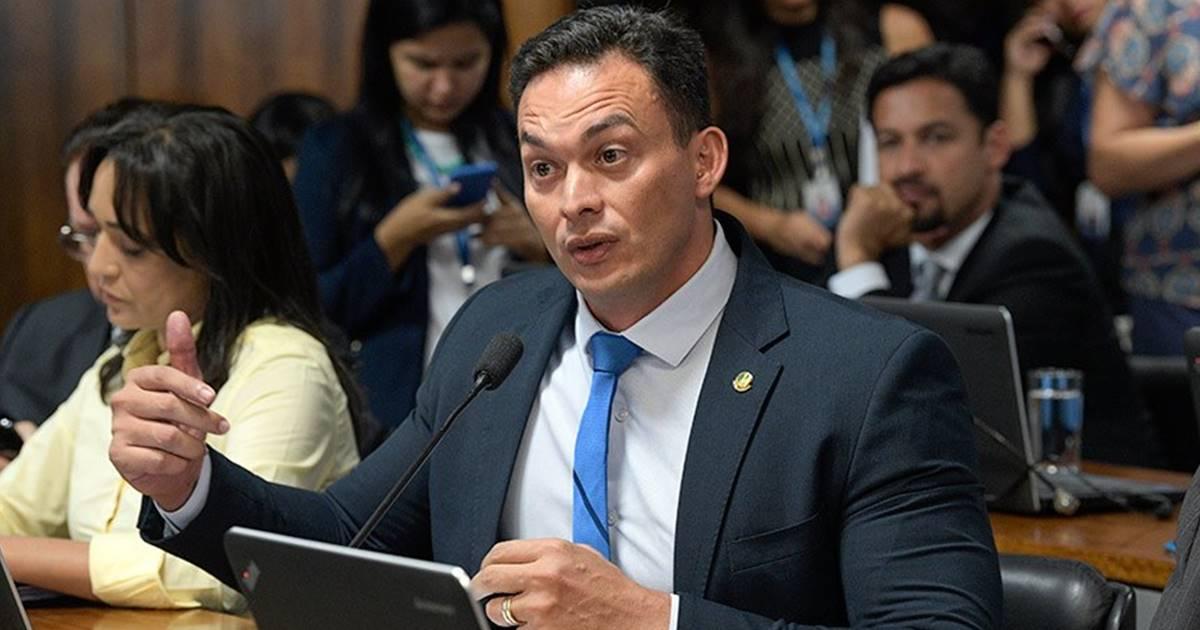 Autor da proposta, senador Styvenson Valentim — © Roque de Sá