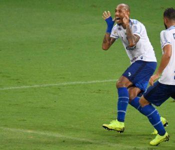 CSA vence o Cruzeiro por 1 a 0 mas permanece na zona de rebaixamento — © Gustavo Rabelo