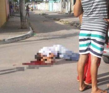 Jovem é perseguido e morto a tiros na parte alta de Maceió — © Reprodução