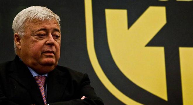FIFA bane presidente da CBF Ricardo Teixeira do Futebol — © Reprodução