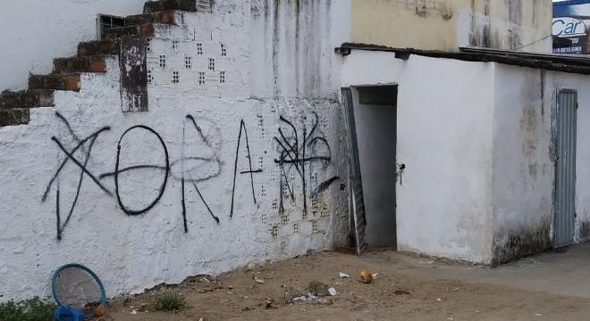 União dos Palmares amanhece pichada com recado ao prefeito: 'Fora Kil' - BR 104