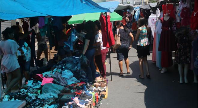 Lojistas e comerciantes aguardam o crescimento nas vendas — © Gustavo Lopes/BR104