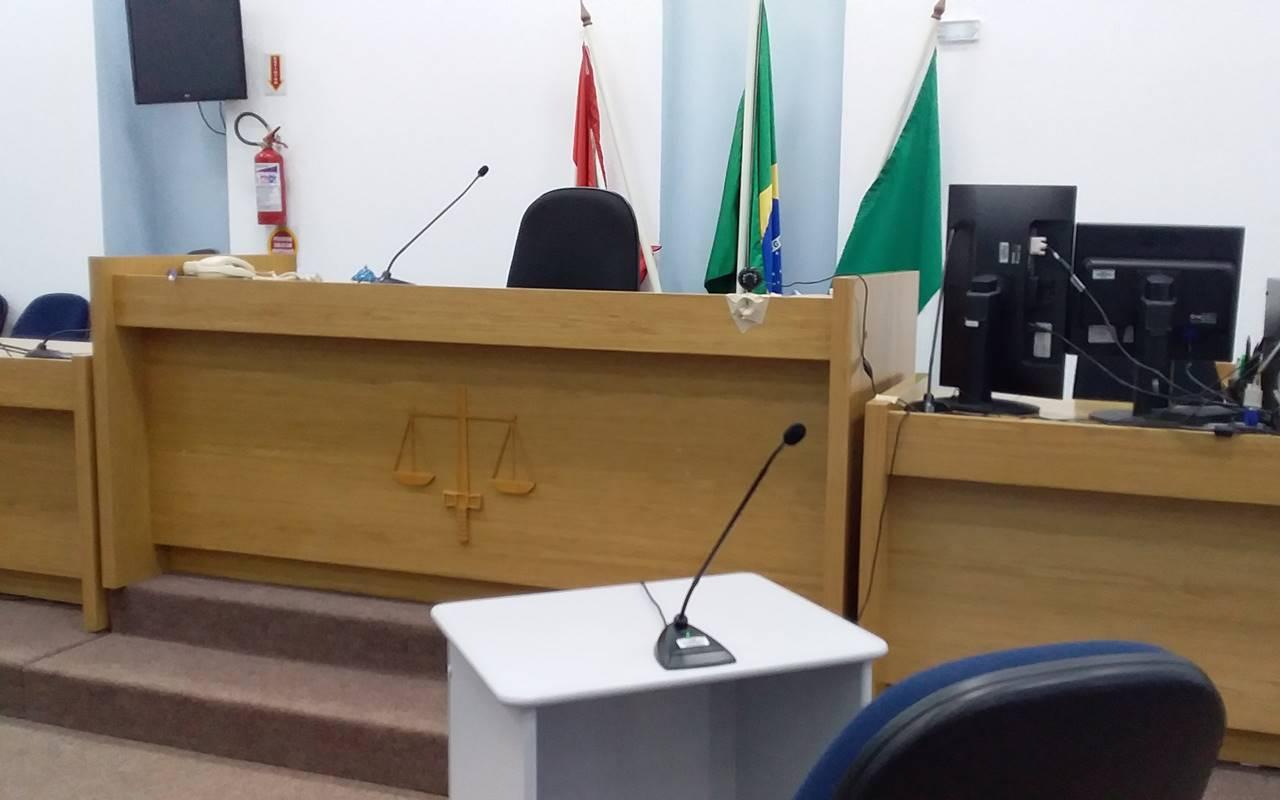 Julgamento foi conduzido pelo titular da 9ª Vara Criminal, juiz Geraldo Cavalcante Amorim — © Ilustração