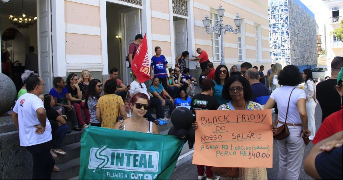 Servidores Públicos temem que deputados aprovem Reforma da Previdência em Alagoas — © Sandro Lima