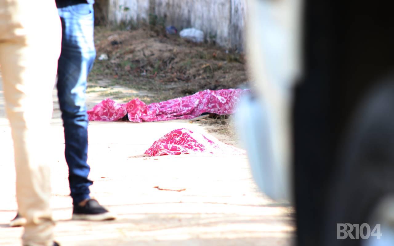 Mulher foi morta a facadas e teve a cabeça decepada — © Izael Nascimento/BR104
