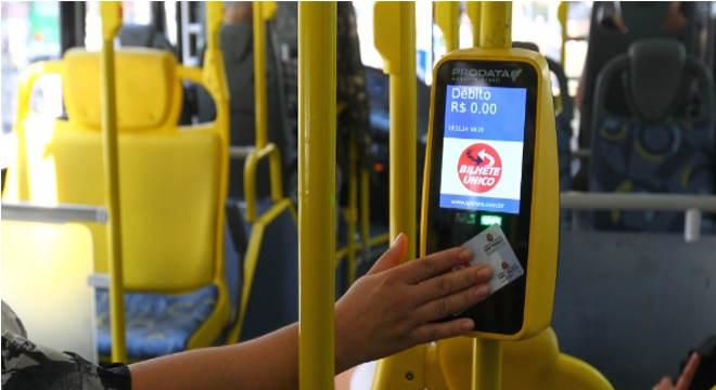 Passagem de ônibus em Maceió — © Vinicius Pereira