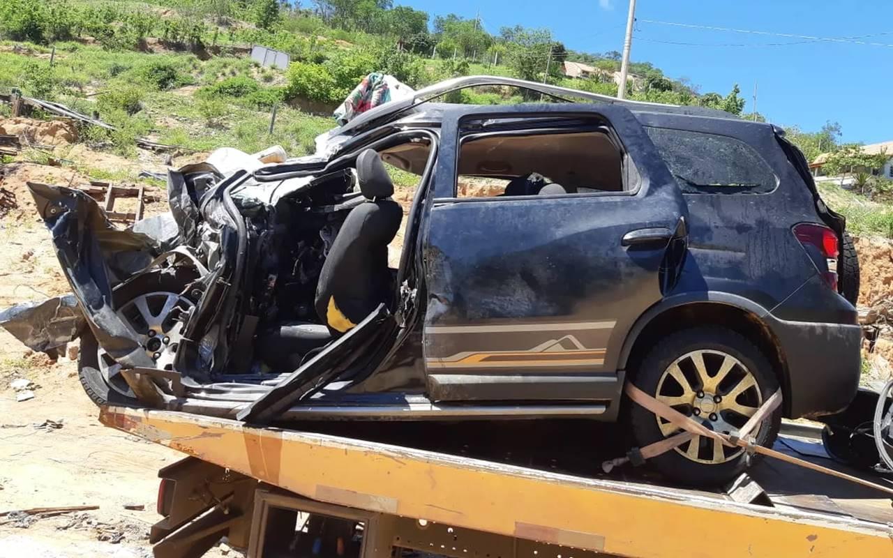 Quatro pessoas da mesma família morreram após colisão — Polícia Rodoviária Federal/Divulgação
