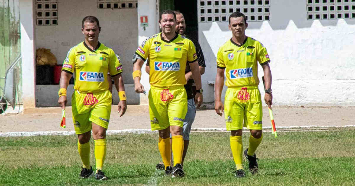 Arbitragem da Copa Zumbi — © Gustavo Lopes