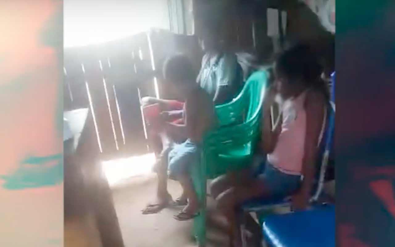 Família cumprindo a quarentena com pouco alimento