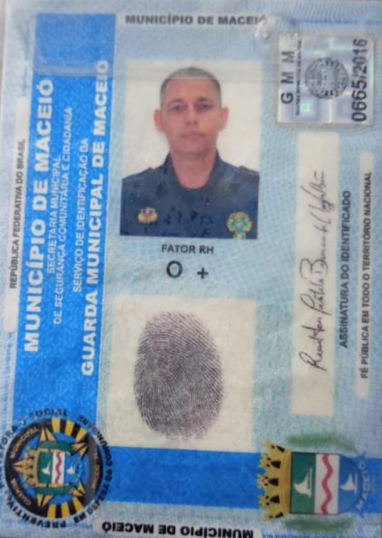 Carteira de identificação de segurança da vítima — © Reprodução