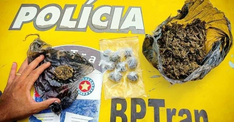 Drogas encontradas com o suspeito — © Reprodução