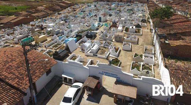 Cemitério de Ibateguara - BR104