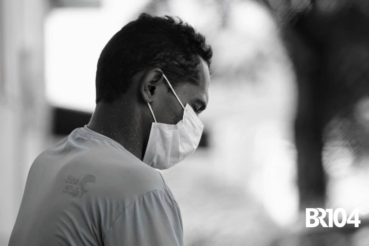 Homem usando máscara em União dos Palmares | © BR104