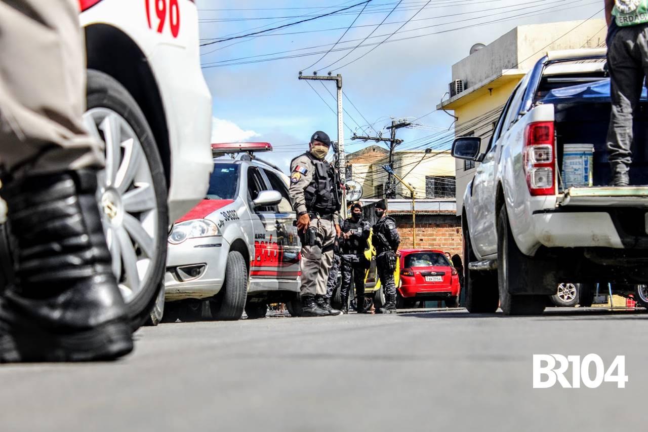 Polícia Militar no Centro de União dos Palmares — © BR104