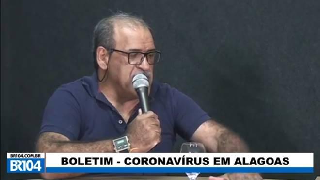 Professor Jackson Walleri falando sobre o uso da cloroquina