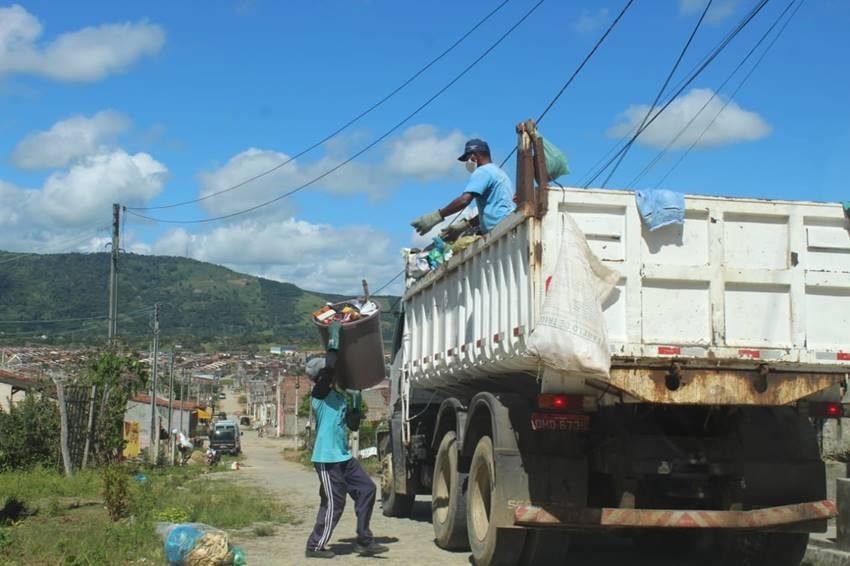 Coleta de lixo em União dos Palmares - Divulgação