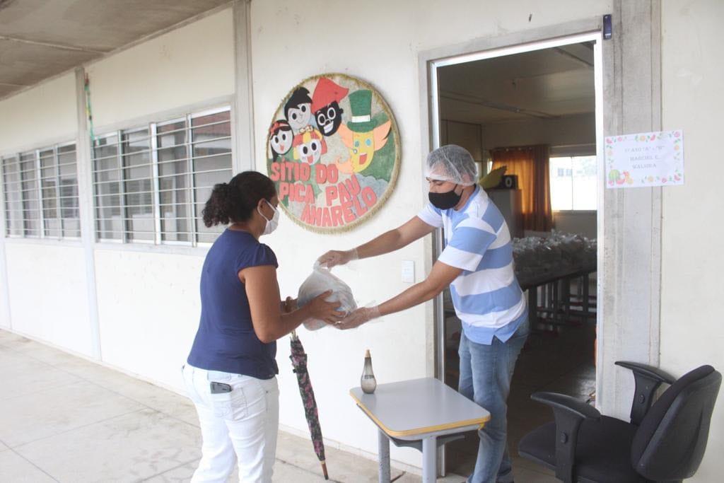 Educação de Santana do Mundaú entrega novos 2.117 kits de gêneros alimentícios