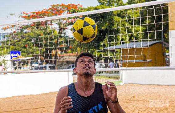 Bello Soares jogador de futivôlei — © BR104