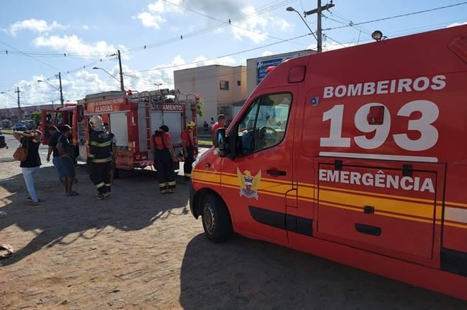 Idosa acende a luz de casa e causa explosão por vazamento de gás em Maceió — © Corpo de Bombeiros
