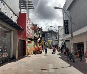 Lojas do centro de Maceió vão funcionar em horário especial, de 8h às 14h — © Derek Gustavo/G1