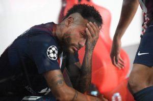 Neymar no banco de reservas
