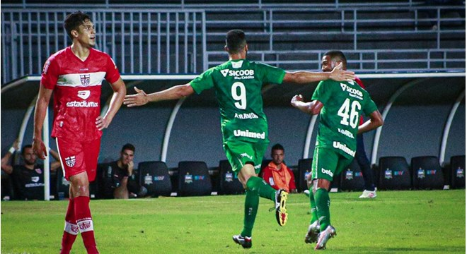 CRB perde de 1 a 0 para a Chapecoense no Rei Pelé — © Guilherme Griebler