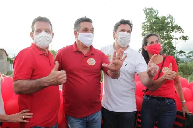 Carreata marca o fim de semana de campanha eleitoral em Branquinha — © Assessoria