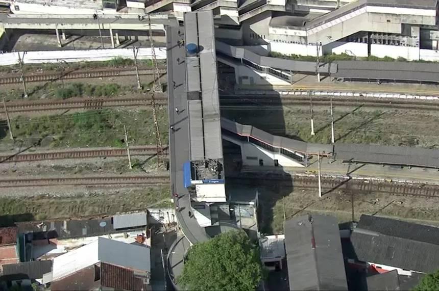 Maquinistas foram sequestrados por criminosos na estação de Triagem — © Reprodução/Tv Globo