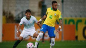Neymar disputando jogada Brasil x Bolívia — © Miguel Schincariol