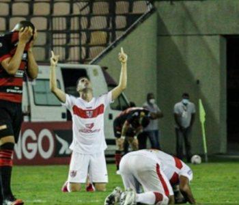 CRB vence o Oeste por 2 a 1 — © Guilherme Drovas