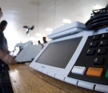 Urnas começam a ser distribuídas em locais de votação em União dos Palmares — © Ilustração