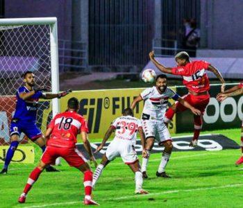 CRB e Botafogo-SP no Rei Pelé — © Aiton Cruz