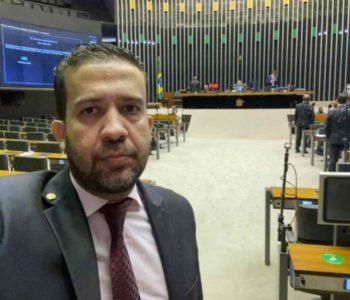 Deputado federal André Janones