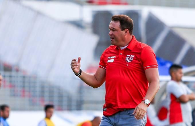 Roberto Fernandes é o novo técnico do CRB — © Ailton Cruz