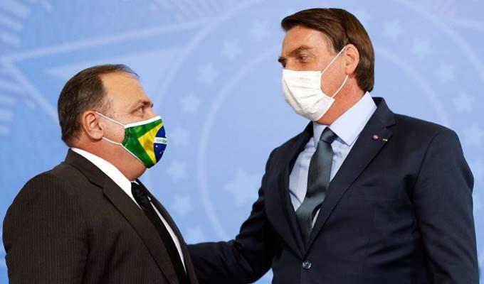 Eduardo Pazuello e Jair Bolsonaro — © Reprodução