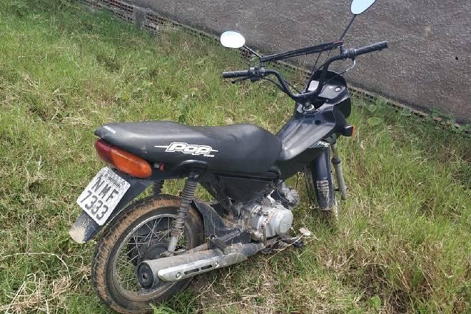 Moto recuperada pela Polícia Militar — © Cortesia