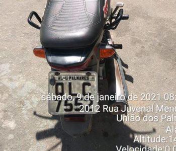Motocicleta em que vítimas estavam foi levada na ação criminosa — © Cortesia
