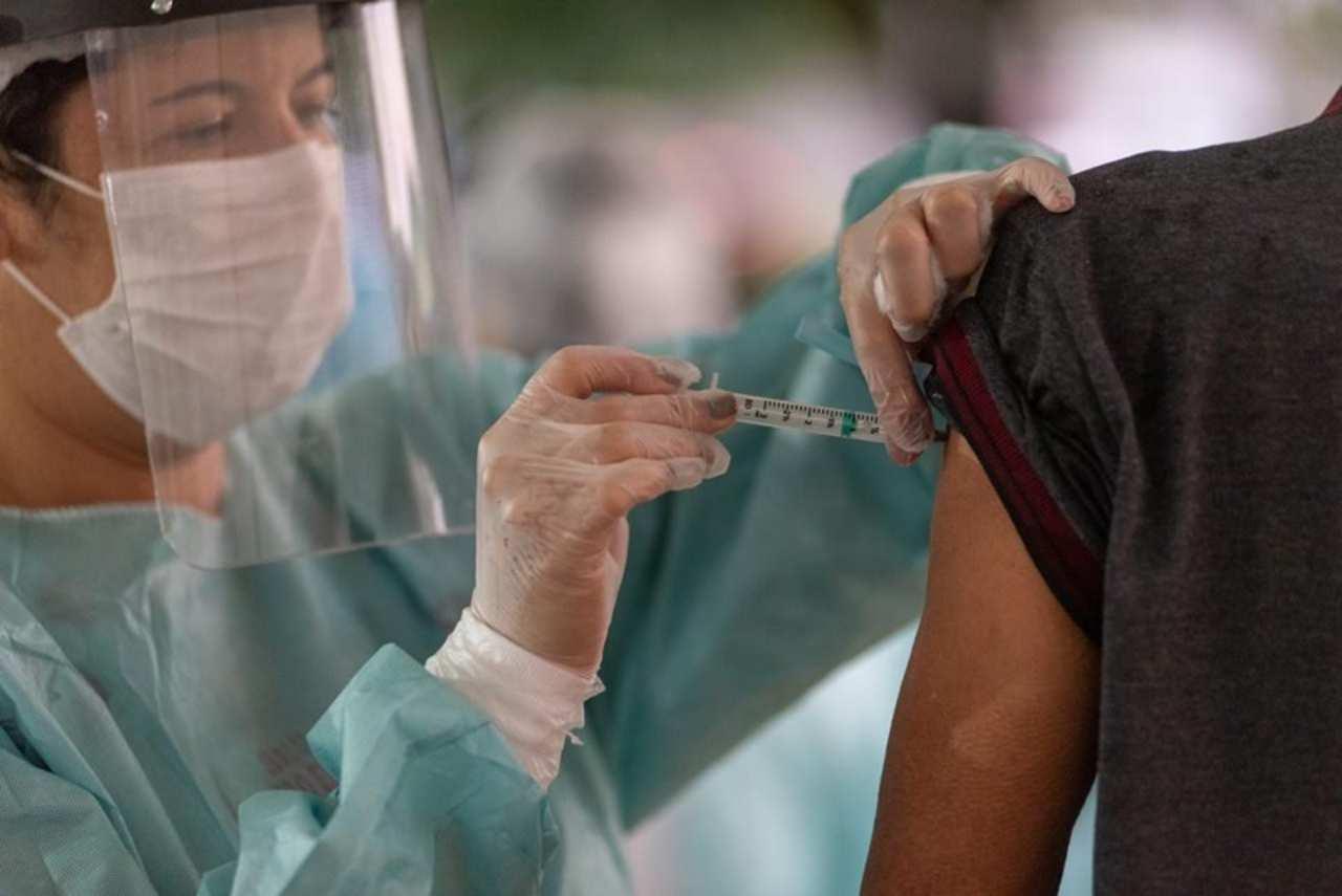 Vacinação para imunização contra o novo coronavírus