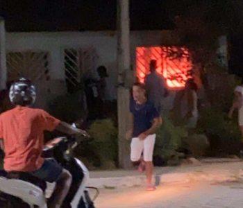 Casa em chamas em São José da laje - @cortesia