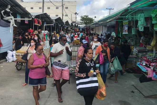 Movimentação na Feira da Sulanca, em Caruaru — © Jobson Gonçalves/TV Jornal Interior/Arquivo