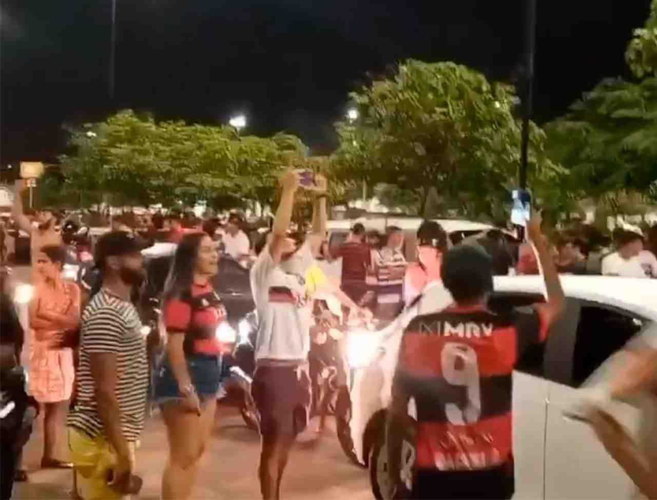 Torcedores do Flamengo após resultado do Campeonato Brasileiro — © Reprodução