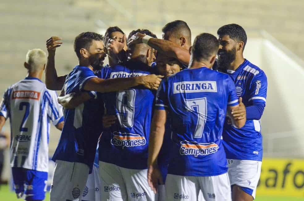 CSA comemorando gol — © Augusto Oliveira